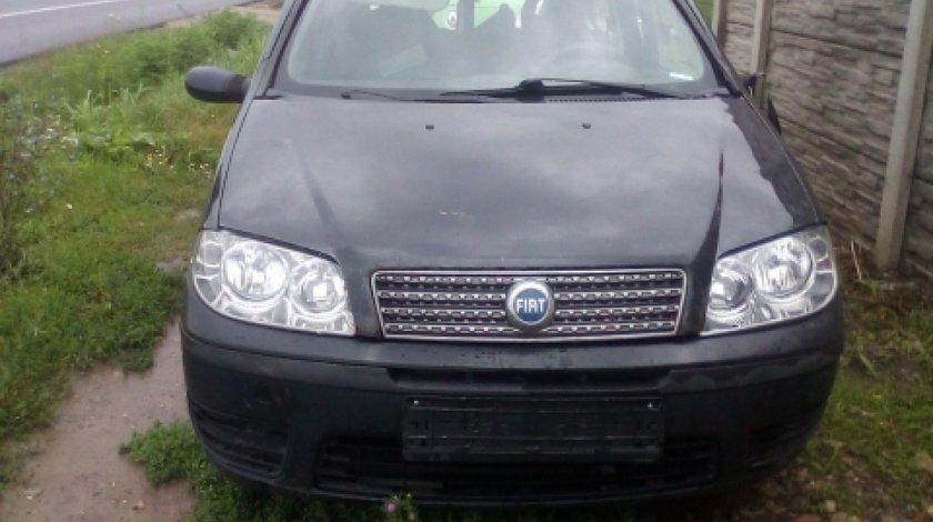 Dezmembrez Fiat Punto, an 2005, motorizare 1.3 JTD 16V