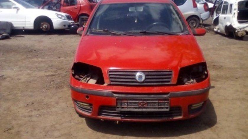 Dezmembrez Fiat Punto ,an 2007 , motorizare 1.6 ,  Benzina , kw 81 ,caroserie Hatchback