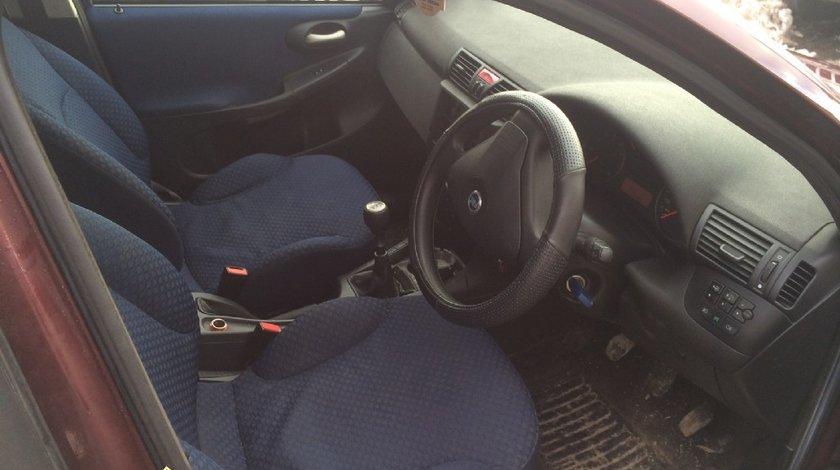 Dezmembrez FIAT STILO 1 6I 16V 2002