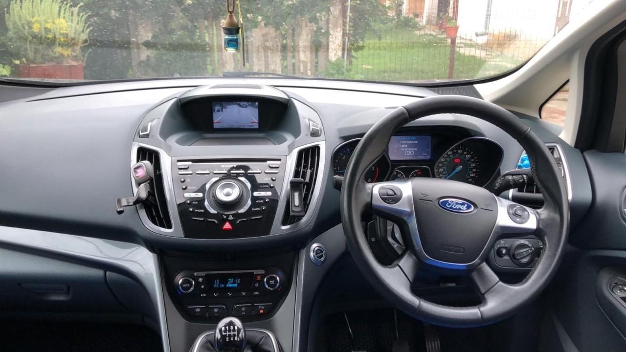 Dezmembrez Ford C-Max 2.0 TDCi UFDB 140 cai euro 5 2013 cu parcare laterala