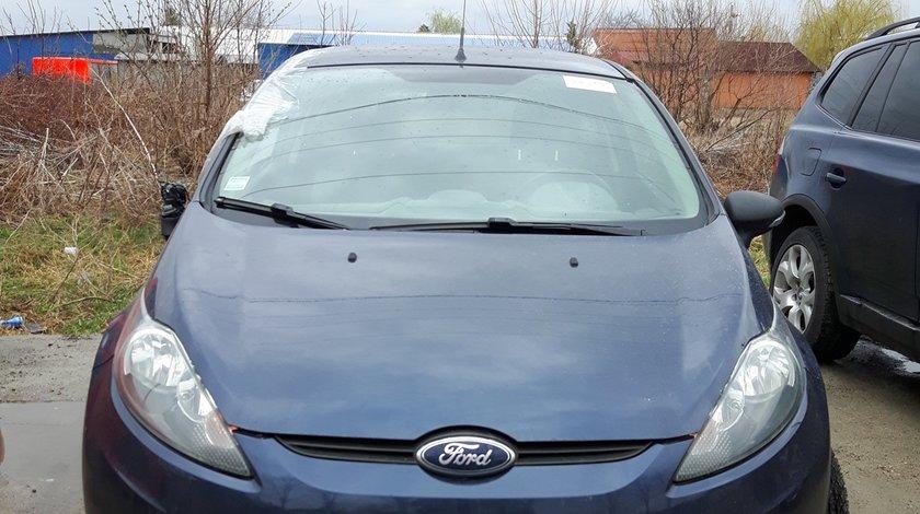 Dezmembrez Ford Fiesta 1.6 TDCI 2013 95cp coupe Utilitara