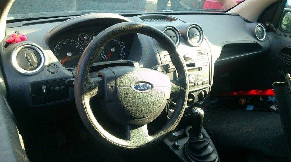 Dezmembrez Ford Fiesta Coupe Facelift 1 3 Benzina 60 Cp Tip Baja 2007
