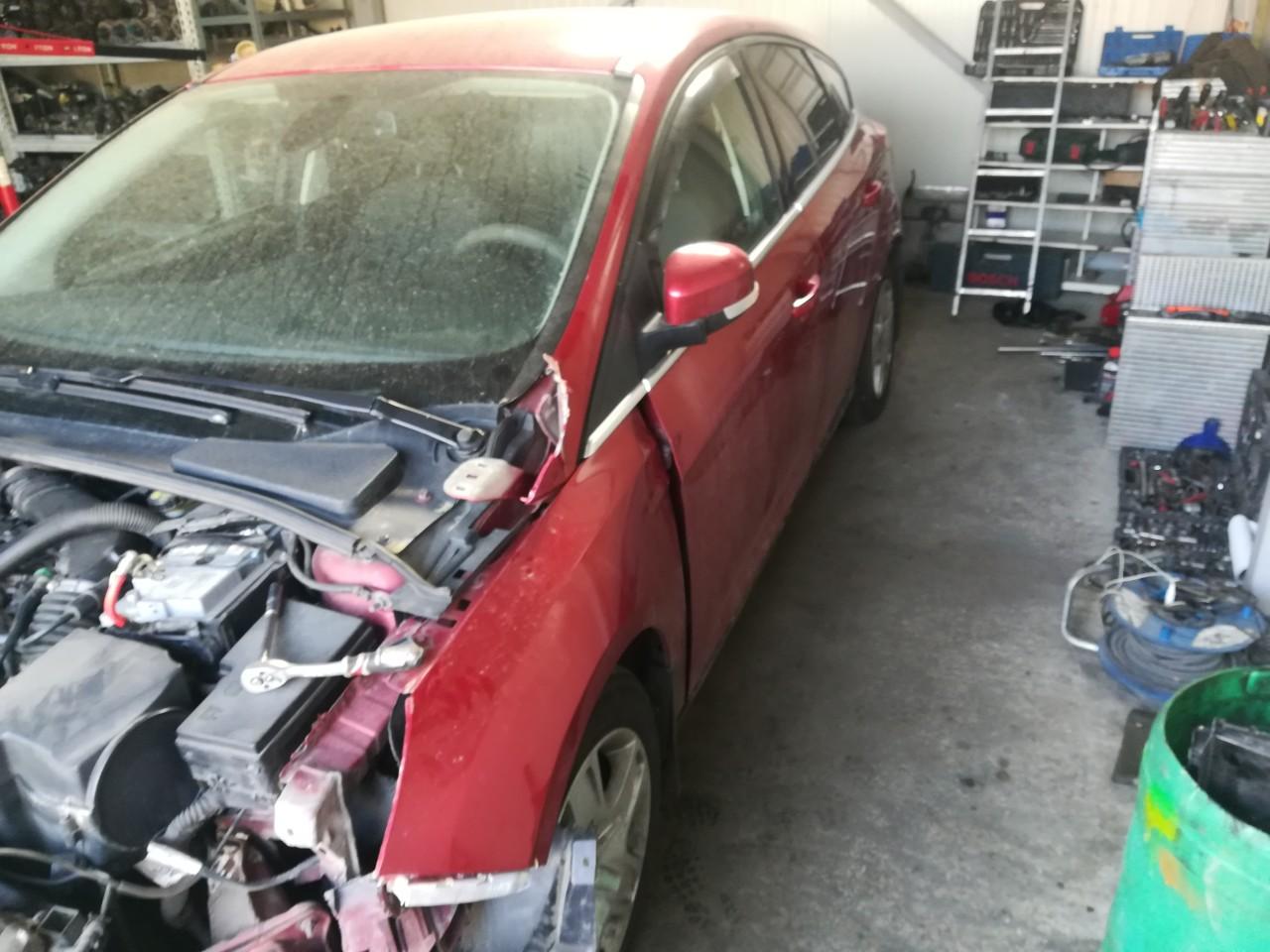 Dezmembrez Ford Focus 3 1.6 ecoobost 110kw motor JQDB din 2012