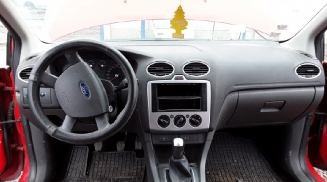 Dezmembrez Ford Focus II, an 2006, motorizare 1.6 TDCI, Diesel, kw 80, caroserie Hatchback