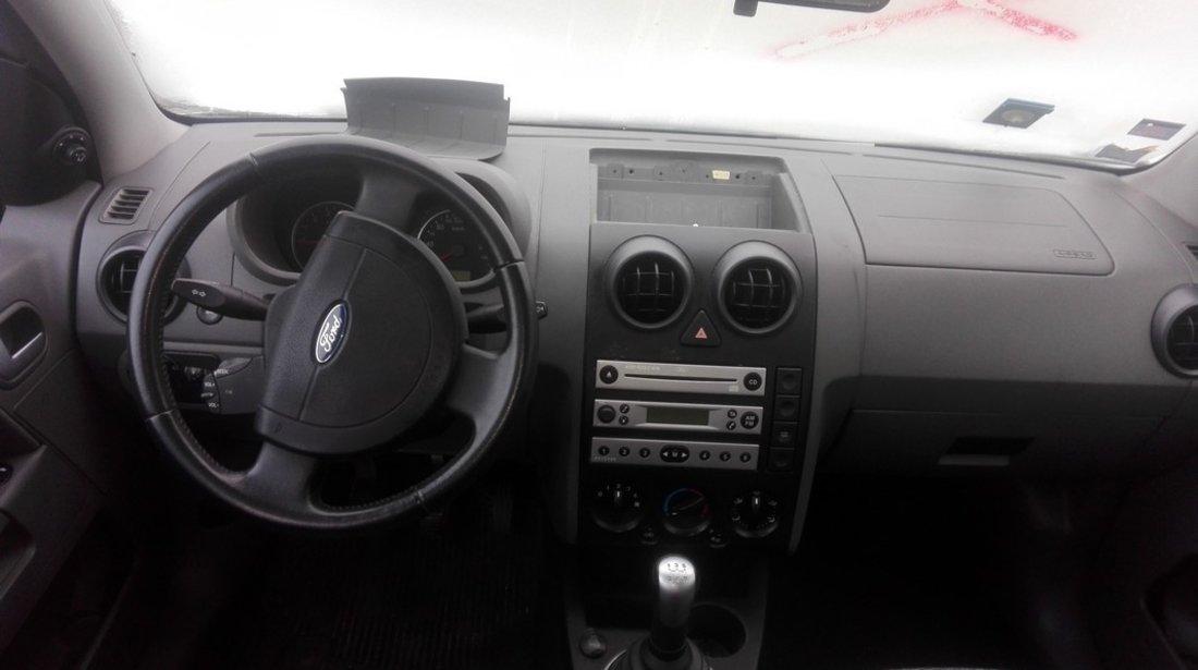 DEZMEMBREZ Ford Fusion an 2004 motor 1.4 16v tip FXJA