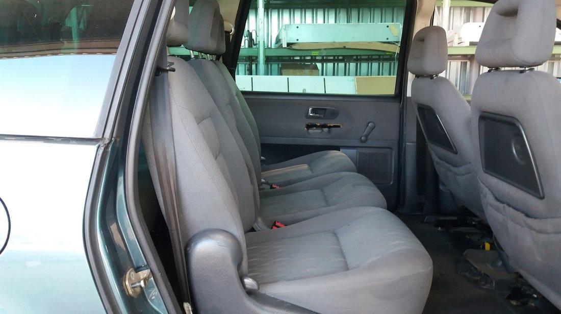Dezmembrez Ford Galaxy, an fabr. 2002 , 1.9D TDI PD