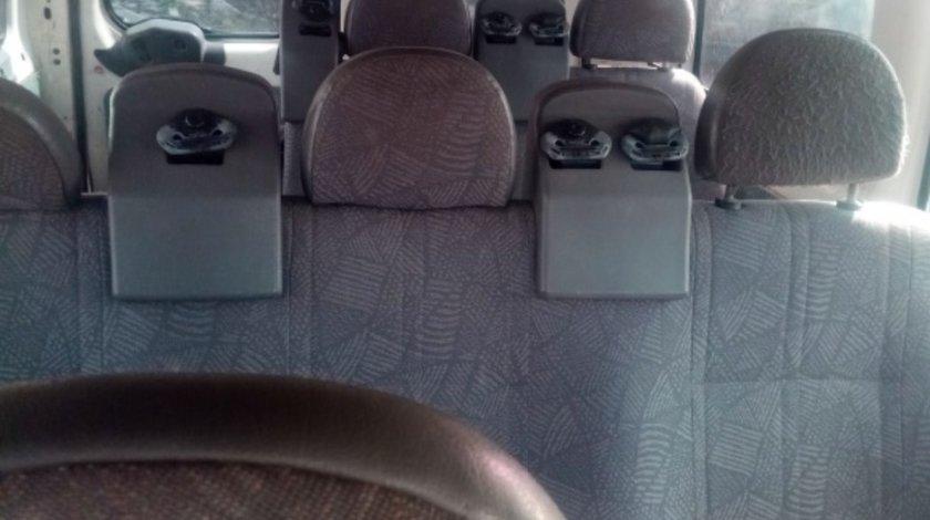 Dezmembrez Ford Transit 2.0 tddi,d3fa,8+1 locuri