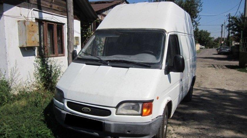 Dezmembrez Ford Transit 2000
