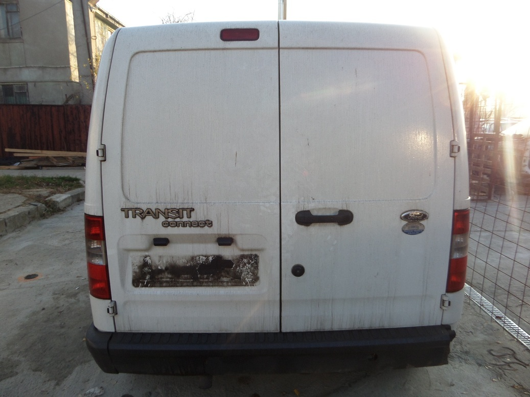 Dezmembrez Ford Transit Connect 1.8D an 2007