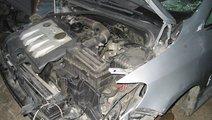 Dezmembrez Golf 5 1. 9 tdi motorina 2009