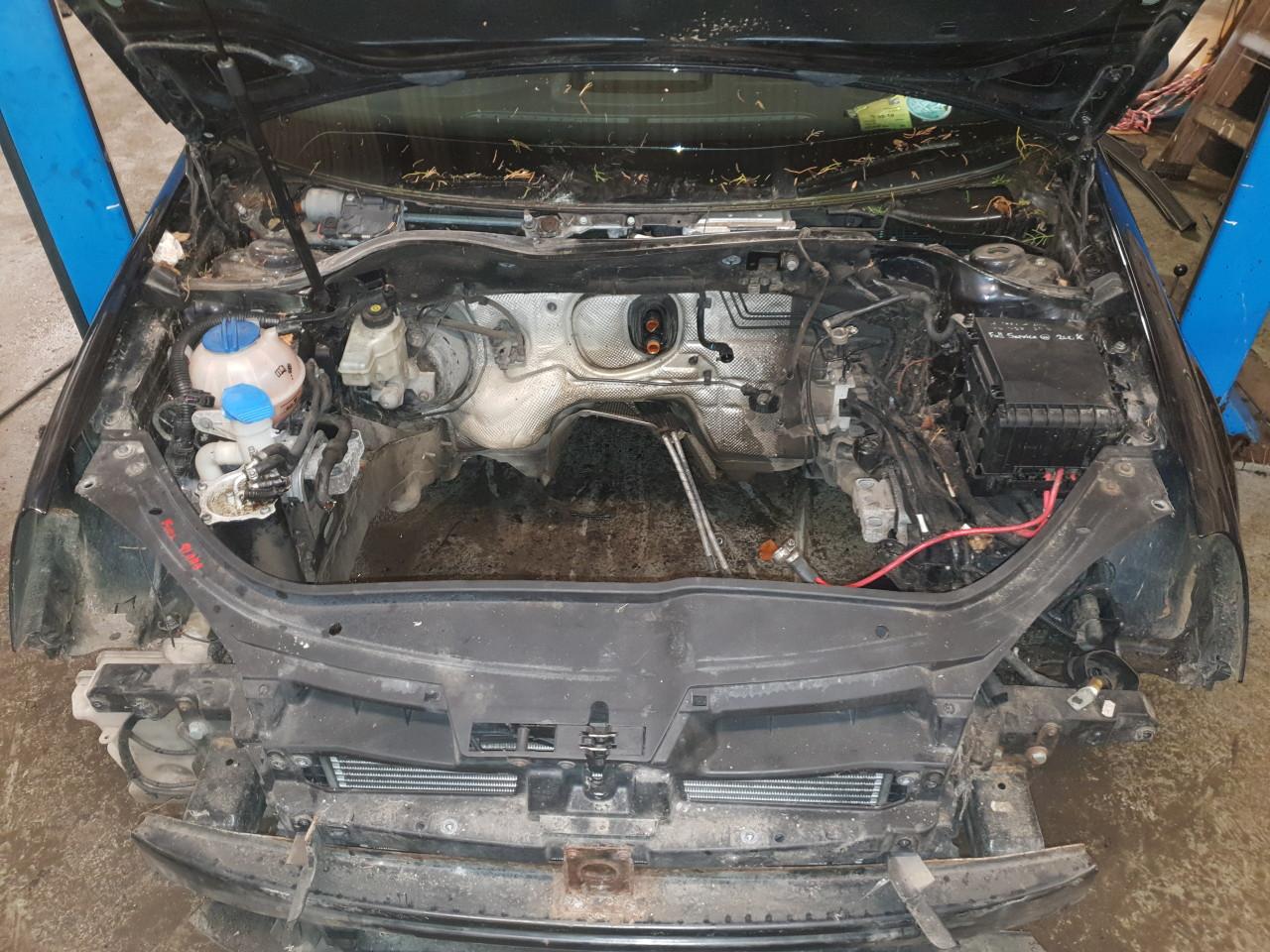 Dezmembrez Golf 5 Volkswagen 1.9 TDI cod BKC Diesel 105 CP 2004 -2009