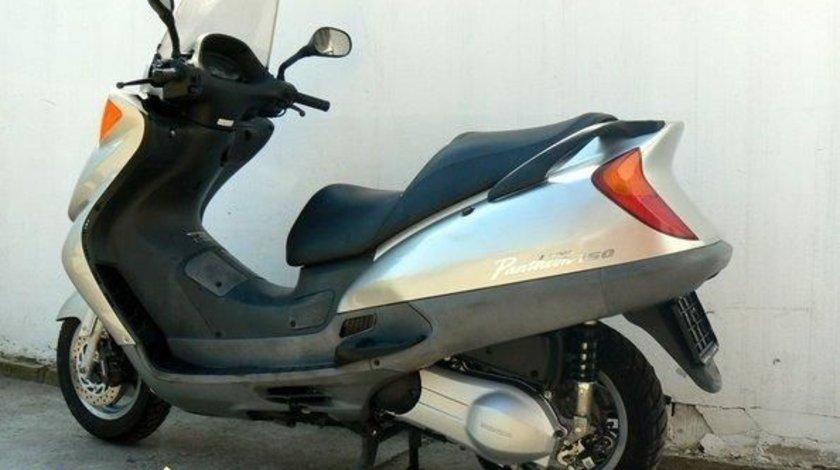 Dezmembrez Honda Pantheon 150cc Piese Honda Pantheon 150 cm 4T