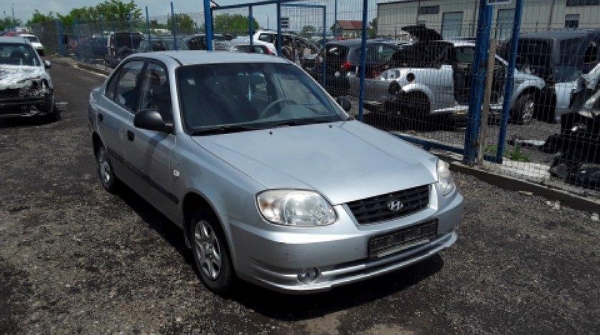 Dezmembrez Hyundai Accent II, an 2005, motorizare 1.3