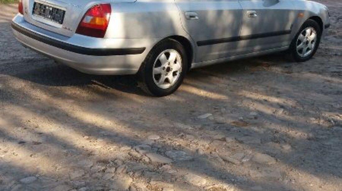 Dezmembrez Hyundai Elantra