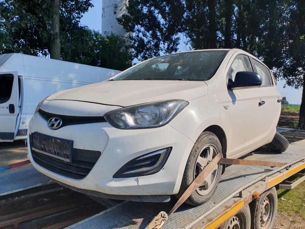 Dezmembrez Hyundai i20 2013 facelift 1.2 benzina G4LA