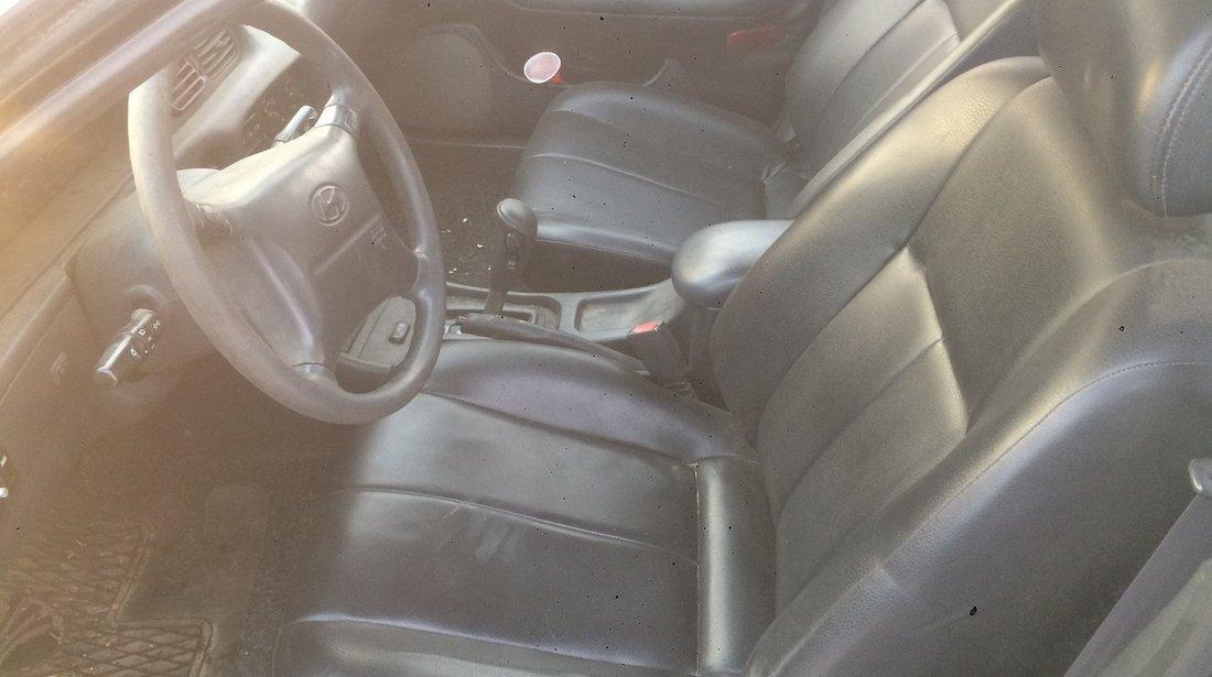 Dezmembrez Hyundai Sonata 3.0 i 1995