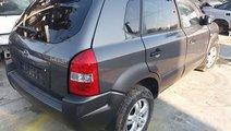 Dezmembrez Hyundai Tucson 2.0 benzina, an 2006