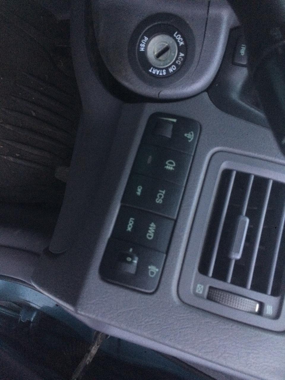 Dezmembrez Hyundai Tucson 2,0 crdi 4x4 2006