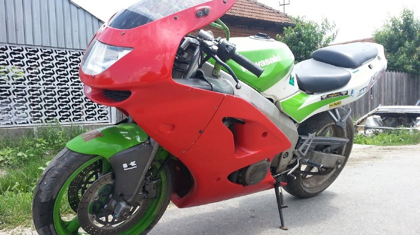 Dezmembrez Kawasaki ZX6R 1997 2001