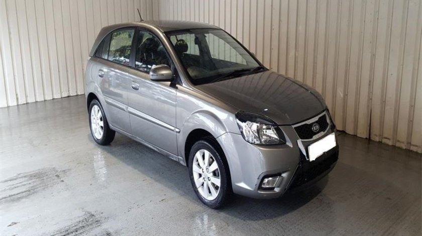 Dezmembrez Kia Rio 2011 Hatchback 1.5 D