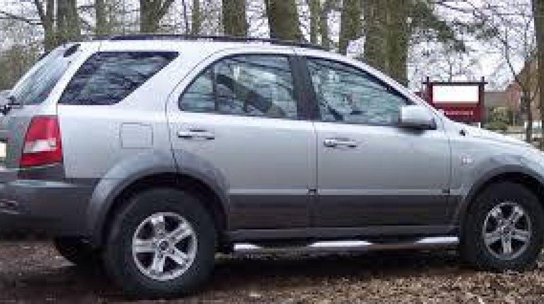 Dezmembrez Kia Sorento 2.5 diesel an 2006
