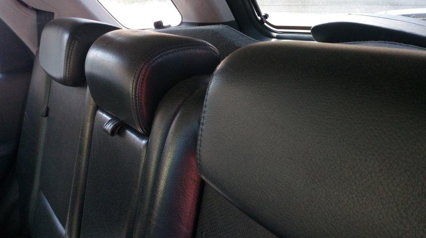 Dezmembrez Kia Sportage JE ,KM,2.0 benzina 140 cp,4x4,