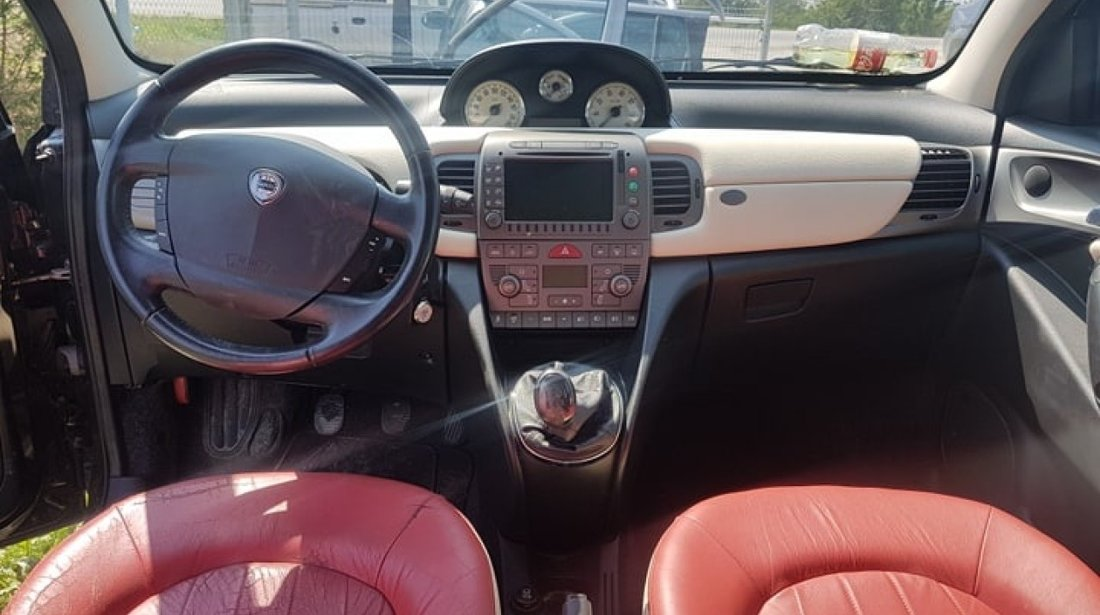 Dezmembrez Lancia Ypsilon 1.4 16v 843a1.000 95 cai