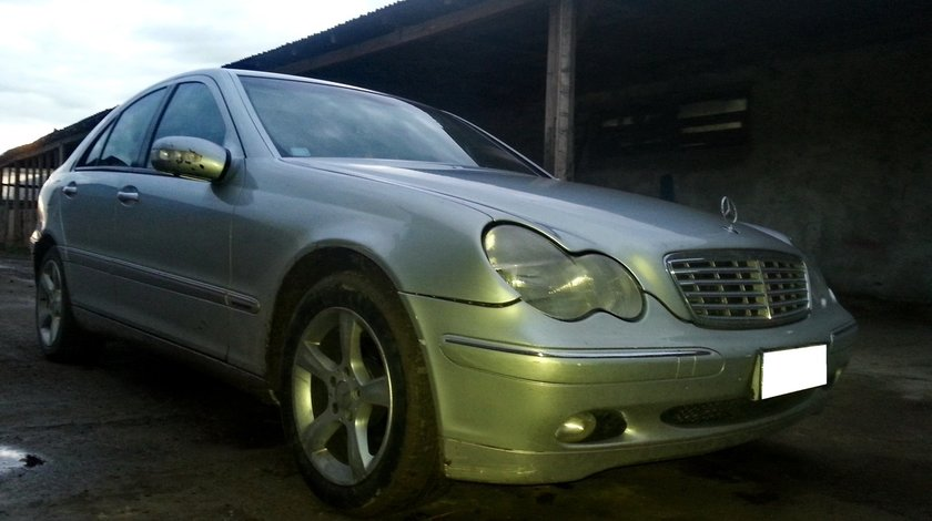 Dezmembrez Mercedes Benz C Class W203 2.2CDi, an fabr. 2003