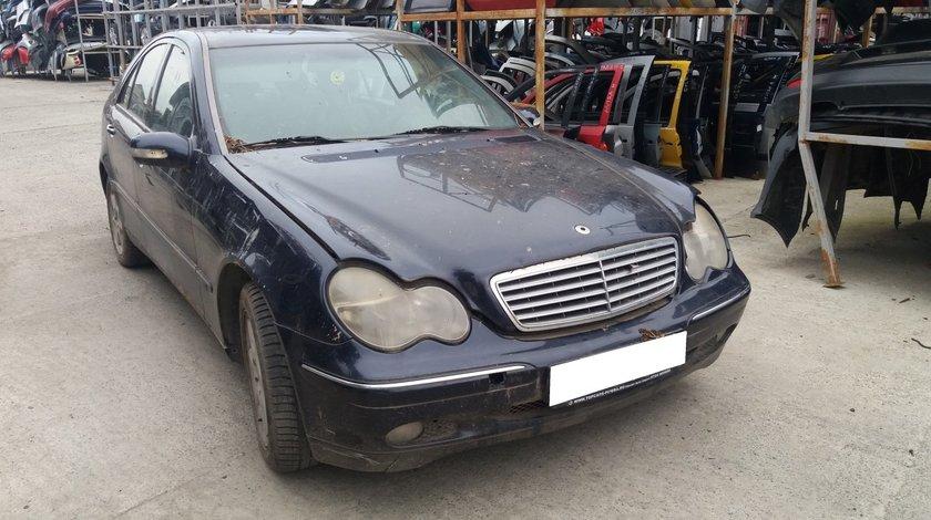 Dezmembrez Mercedes Benz C Class W203 C240 2.6i, an fabr. 2000