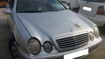 Dezmembrez Mercedes Benz CLK 230 KOMPRESSOR W208 2...