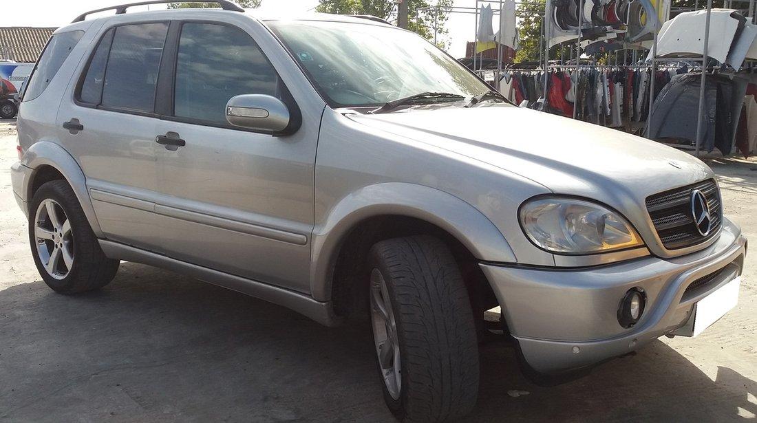 Dezmembrez Mercedes Benz ML  W163 270 CDI, 2003, 4x4, 7 locuri, Facelift