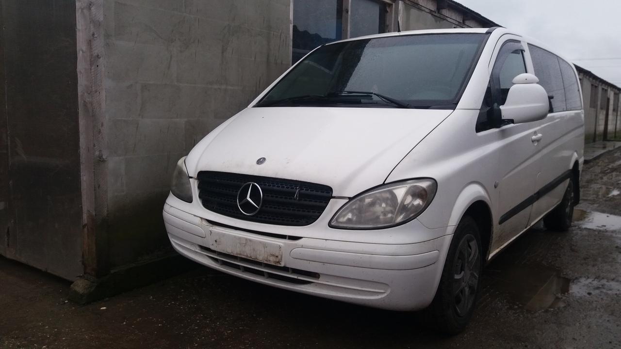 Dezmembrez Mercedes Benz Vito W639, an fabr. 2004, 2.1 115CDI