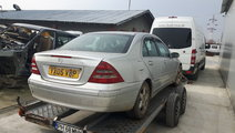 Dezmembrez Mercedes C 220 CDI W203 an 2003