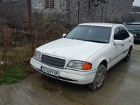 Dezmembrez Mercedes C class 2.2 diesel an 1996