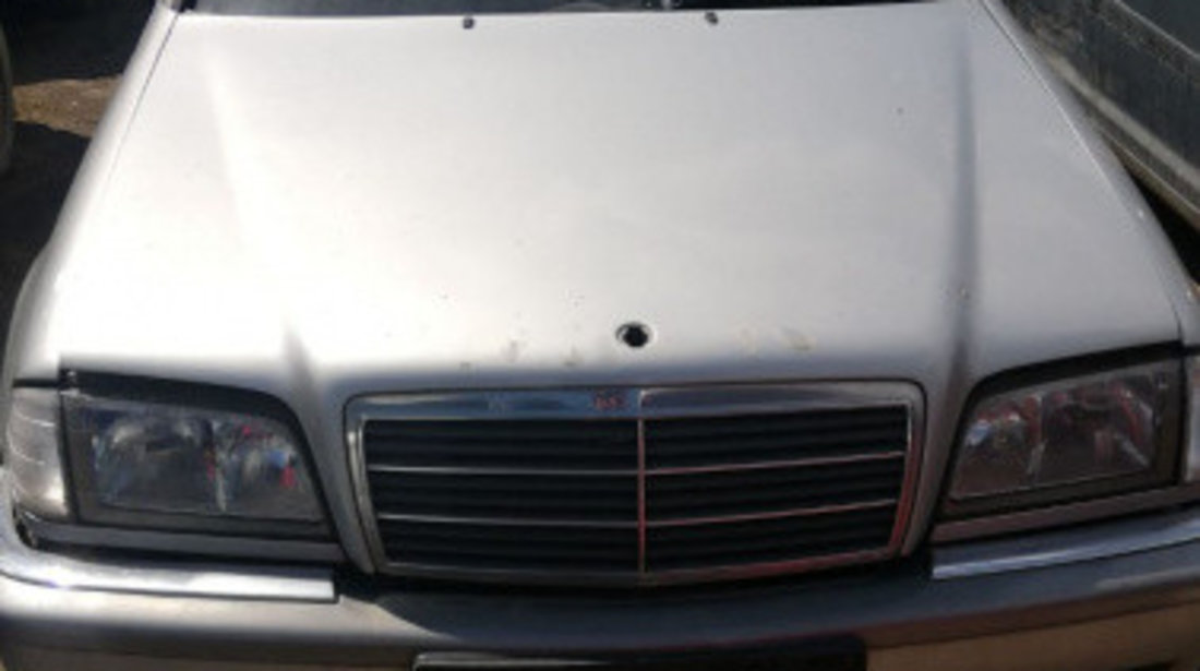 Dezmembrez Mercedes C-Class W202 1997 limuzina 1.8 benzina