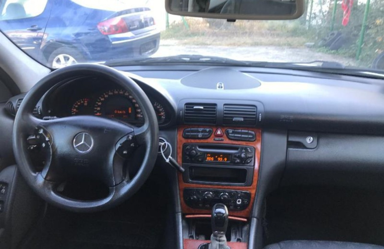 Dezmembrez Mercedes C-Class,w203,automatic,2.2 CDI,orice piesa,motor 2148 cmc,143 CP,OM611