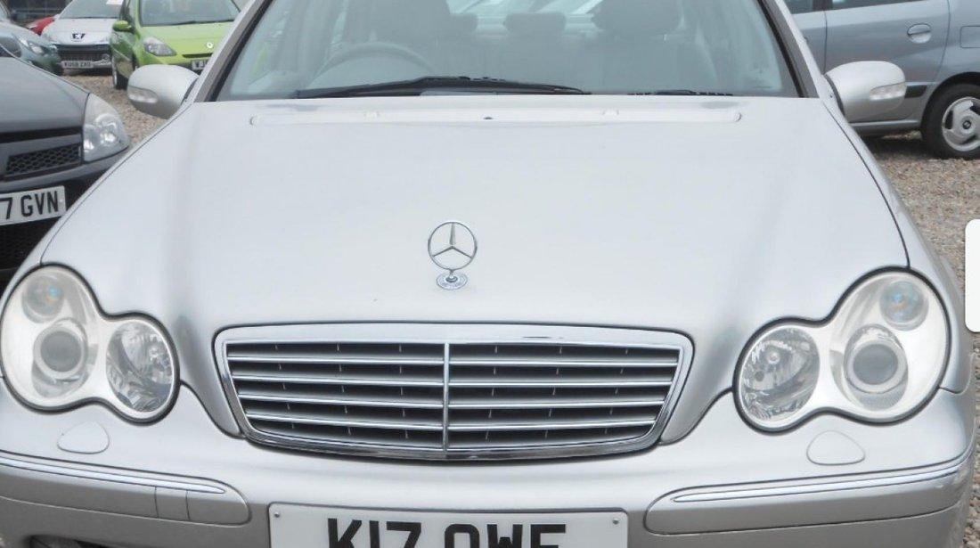 Dezmembrez Mercedes C-Class,w203,automatic,2.7 CDI,volan dreapta,orice piesa,motor 2685 cmc,170 CP,