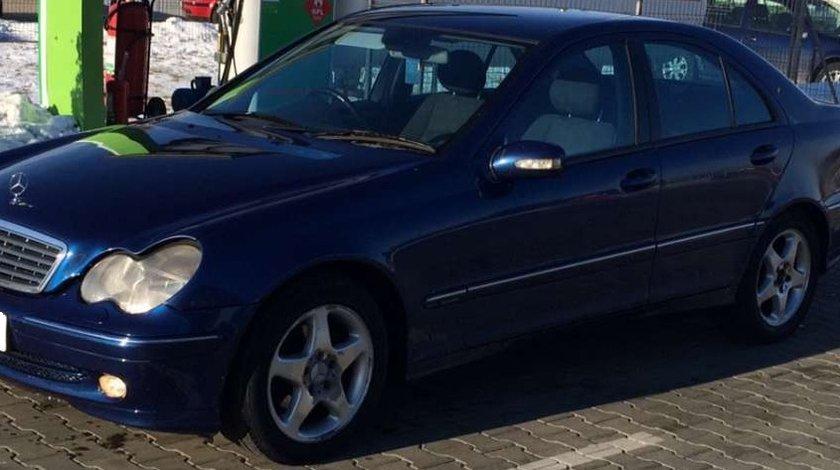 Dezmembrez Mercedes C220 cdi w203 Avantgarde