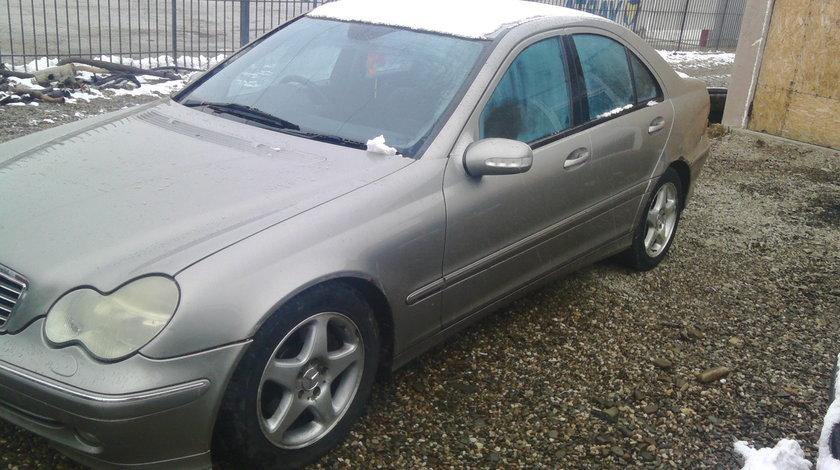 Dezmembrez Mercedes C270 CDI 2004 W203,2.7CDi