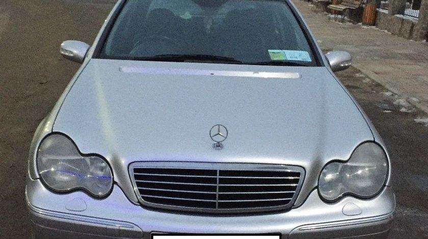 Dezmembrez Mercedes C270 CDI W203