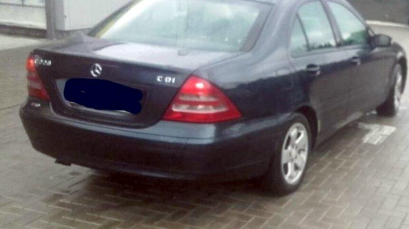 Dezmembrez Mercedes Cclass W203 2.7CDI, an 2002