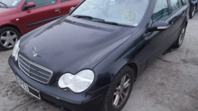 Dezmembrez Mercedes Clasa C (W203), 2.0cdi