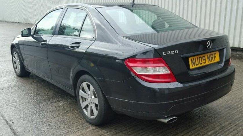 Dezmembrez Mercedes Clasa C (w204) 2.2D