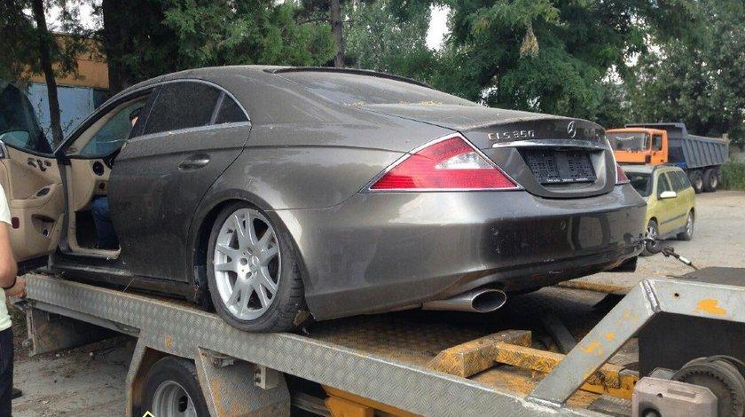 Dezmembrez Mercedes CLS 320 an 2007