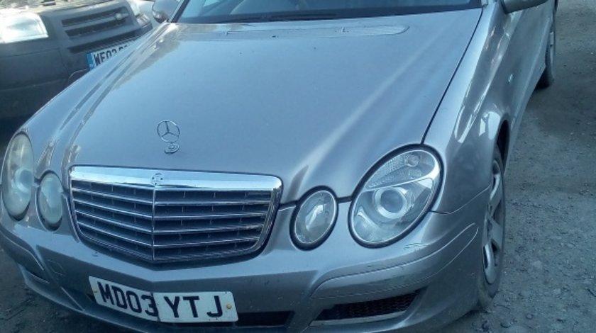 Dezmembrez Mercedes E Class 2,7 CDI 2003