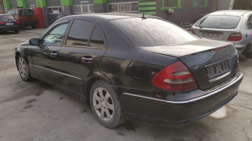 Dezmembrez Mercedes E-Class W211 2005 sedan 2.2 cdi