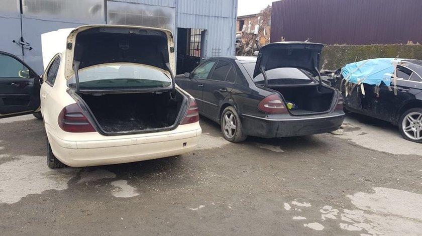 Dezmembrez Mercedes E class W211 an 2004 motor 2.7 cdi si 2.2 cdi