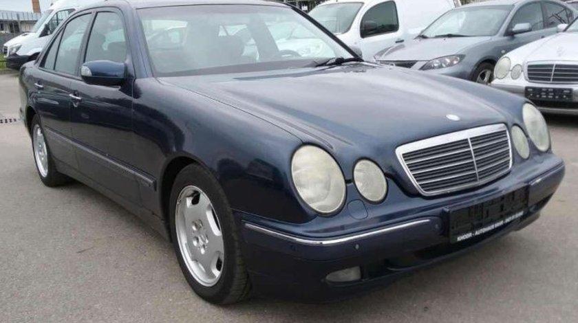 Dezmembrez Mercedes  E200 W210 Kompressor,  an fabr. 1999, caroserie Sedan