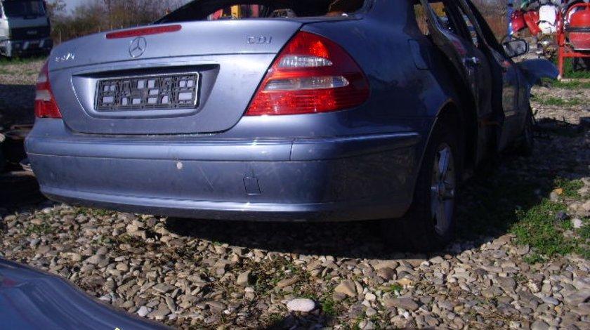 Dezmembrez Mercedes E220 CDI W211
