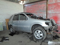 Dezmembrez Mercedes ML 270 CDI an 2001